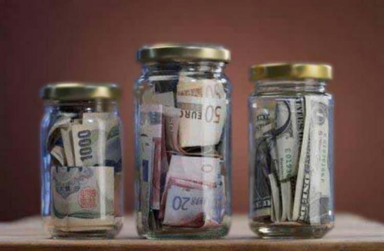 Банки денег