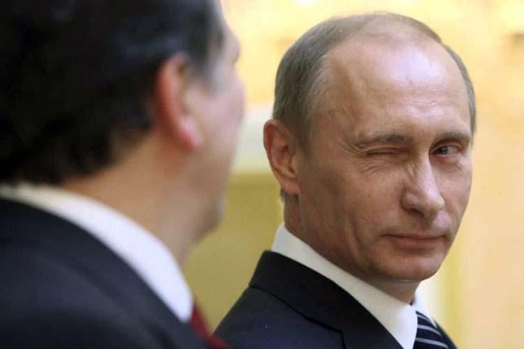 Путин подмигнул